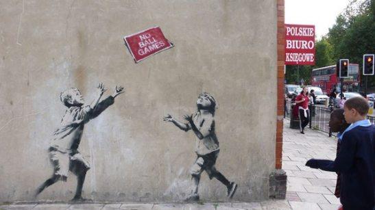 banksy-street-graffiti-art-24