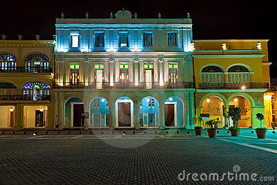 havanna2historical-buildings-old-havana-night-23294223