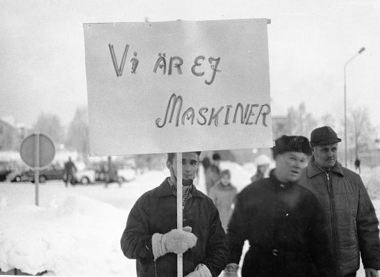 Gruvarbetare-demonstrerar-i-Malmberget-1969